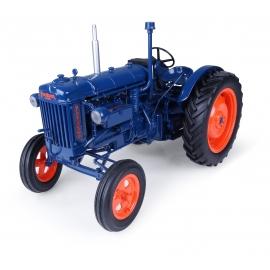 Fordson E27N (1945) Tractor Diecast Replica - 1:16 Universal Hobbies